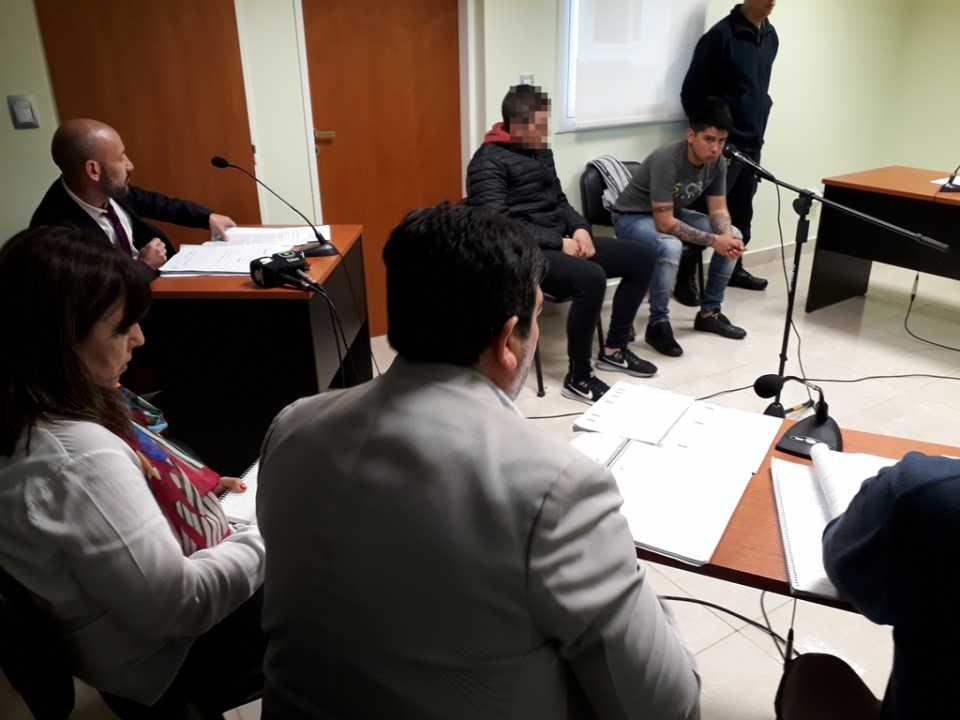 Reprograman audiencia por incomparecencia de uno de los defensores